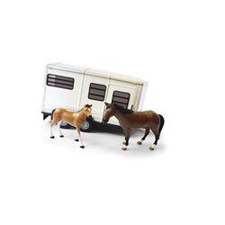 Przyczepa Big Farm do przewozu koni ze źrebakami Britains  1994TM42846